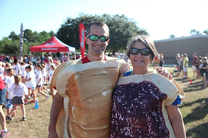 PB&J pose for a couples costume.